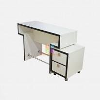 Маникюрный стол Квадро без тумбы